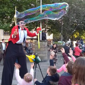Swansea-bubbles-stilts