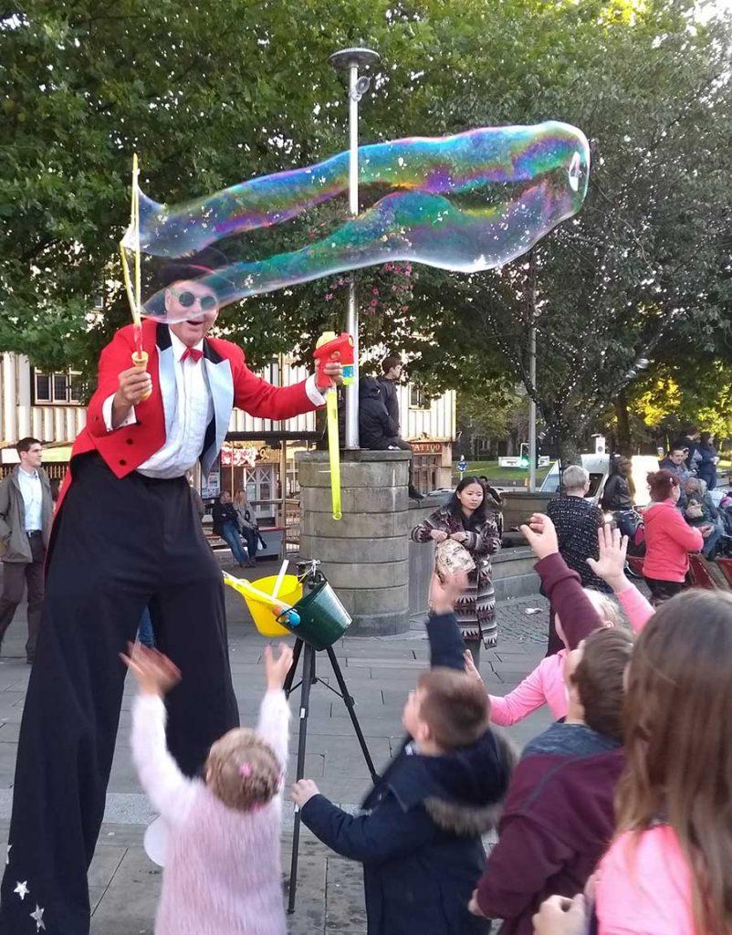 Swansea-bubbles-stilts